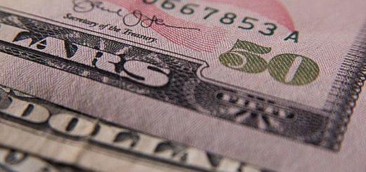 El dólar ganó 20 centavos y cerró la semana con un nuevo récord