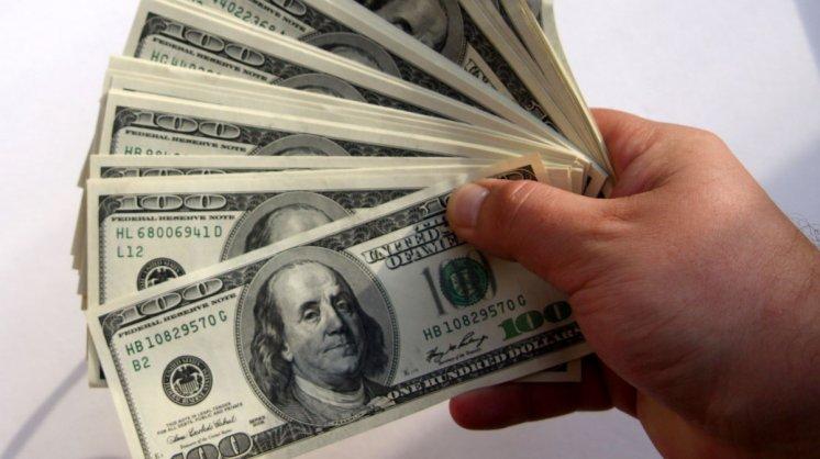 Empresas afirman ser perjudicadas por el cepo cambiario porque les impide pagar sus cuentas en dólares