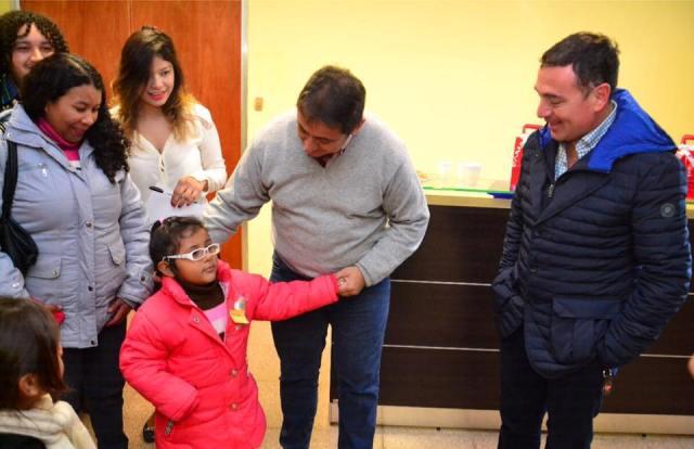 Pro.San.E: entrega de anteojos a misioneros evaluados por el programa