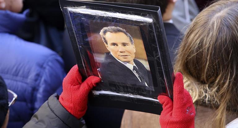 En el aniversario del atentado, la AMIA pidió «que la verdad no se diluya en pactos espurios que benefician a los criminales»
