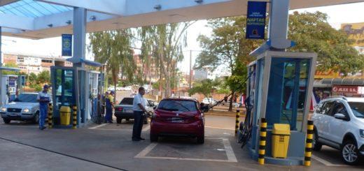 Autos argentinos invaden nuevamente las estaciones de servicio de Encarnación