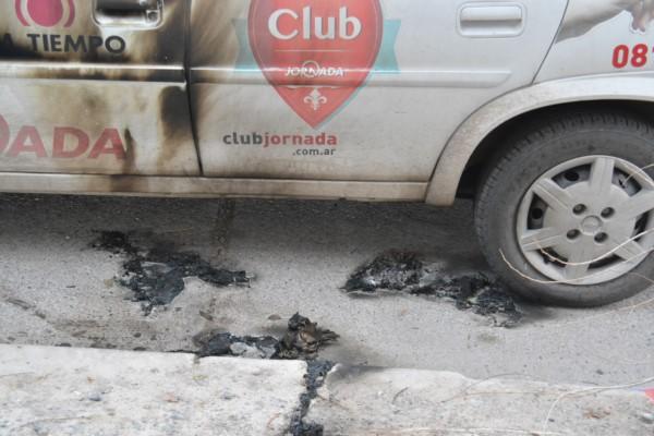Trelew: violento ataque a un móvil de Diario Jornada con una bomba molotov