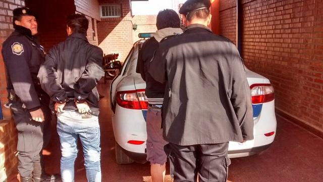 Posadas: detuvieron a un dúo acusado de robar y atemorizar a vecinos de Villa Cabello