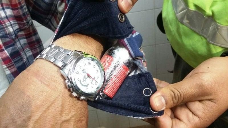 """Gendarmería detuvo en Iguazú a un hombre que transportaba ocultos en su cuerpo 60 frascos del alucinógeno """"ketamina"""""""