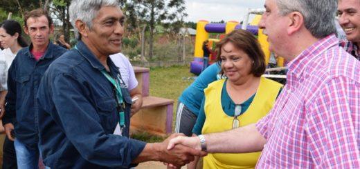 Passalacqua entregó maquinarias en la Fiesta Provincial del Olero y alentó el trabajo del sector