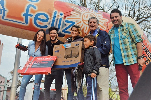 """""""Barrio Feliz"""" brindó una tarde única en Concepción de la Sierra"""