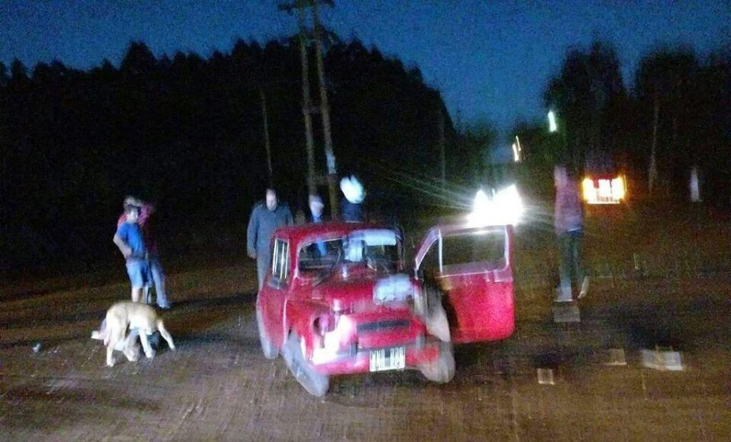 Grave accidente entre un Camión y  un Fiat 600 en Eldorado