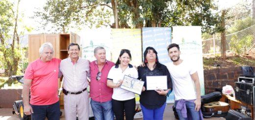 Ganadora de Campo Viera, recibió el kit N°52 de Sembrando Beneficios