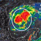 El huracán Harvey pierde intensidad tras tocar tierra en el sur de Texas