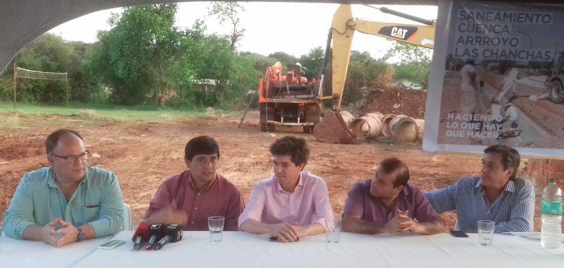Iniciaron obras de saneamiento en el arroyo La Chancha que beneficiarán a unos 20 mil posadeños