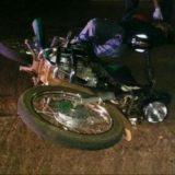 Se despistó una camioneta en Caá Yarí, chocó contra un árbol y terminó en una alcantarilla: dos heridos
