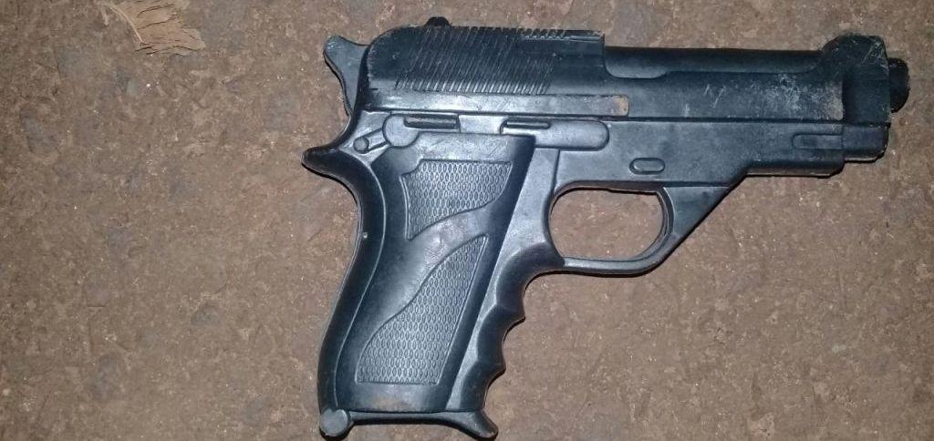 Posadas: Abandonaron una pistola de juguete y huyeron alnotar la presencia policial