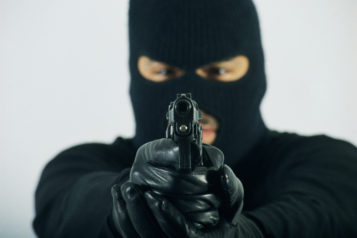 Delincuente armado asaltó una estación de servicios en Oberá: se llevó 7.600 pesos