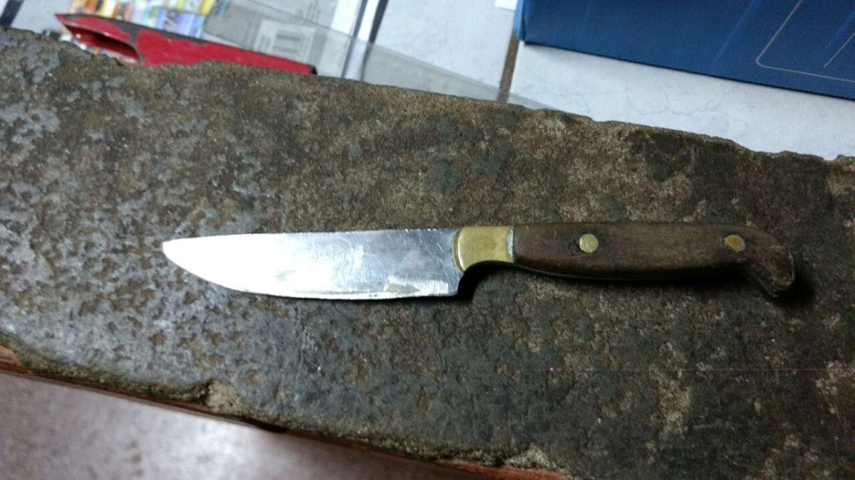 Dupla de ladrones hirió con un cuchillo a un policía que fue a detenerlos en Miguel Lanús