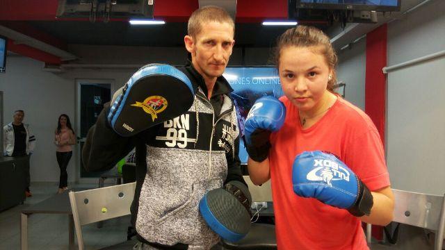"""Diana """"La Malvada"""" Bilau: la boxeadora de 14 años que ganó la mayoría de sus peleas por knock out"""