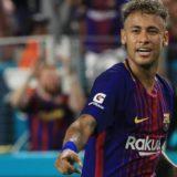 La liga española rechazó el pago de Neymar y su traspaso al Paris Saint Germain está en suspenso