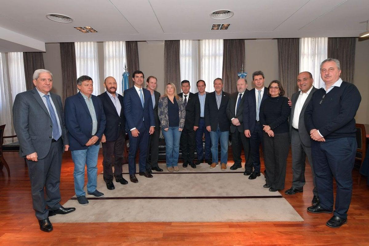 Passalacqua se reunió con gobernadores para hablar de coparticipación y ayuda mutua