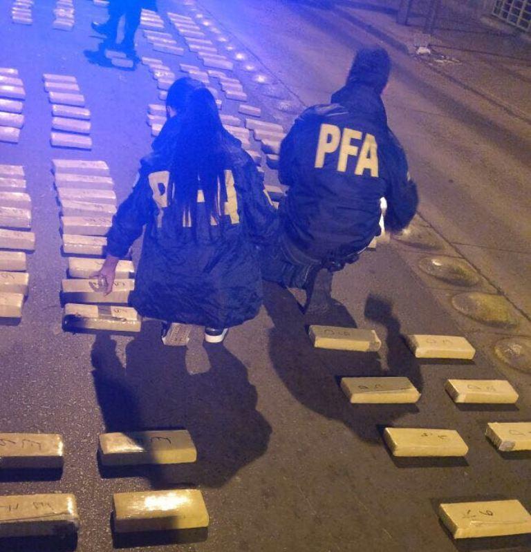 Otro golpe al narcotráfico de la Policía Federal en las afueras de Candelaria