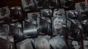 Olga Zamboni entre las 210.000 postales poéticas que regala Sade en todo el país por el Día del Lector
