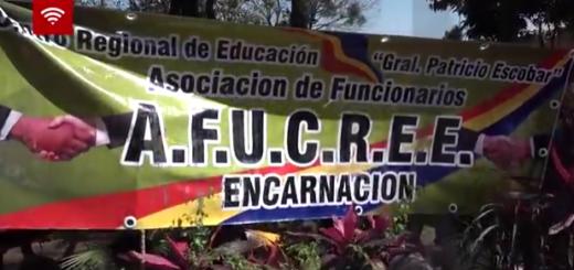 Docentes paraguayos en protesta analizan cortar hoy el puente que une Encarnación-Posadas