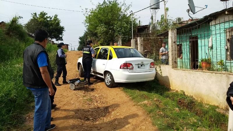 Posadas: la Policía recuperó un taxi robado y busca intensamente a malviviente