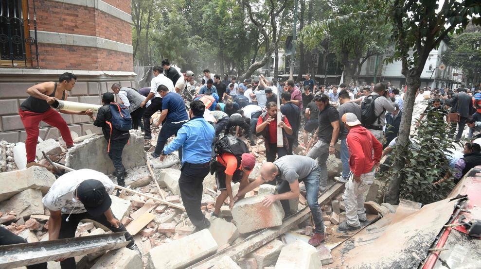 Se eleva a 219 la cifra de muertos por el terremoto de 7,1 grados que sacudió México