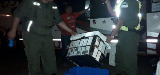 Habían partido desde Iguazú a Buenos Aires con 80 celulares dentro de una conservadora y los descubrió la GN en Entre Ríos
