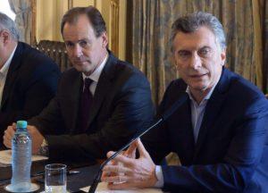 Se reaviva la polémica en Entre Ríos con fuertes críticas a Macri y Etchevehere por promover radicación de pasteras en el país