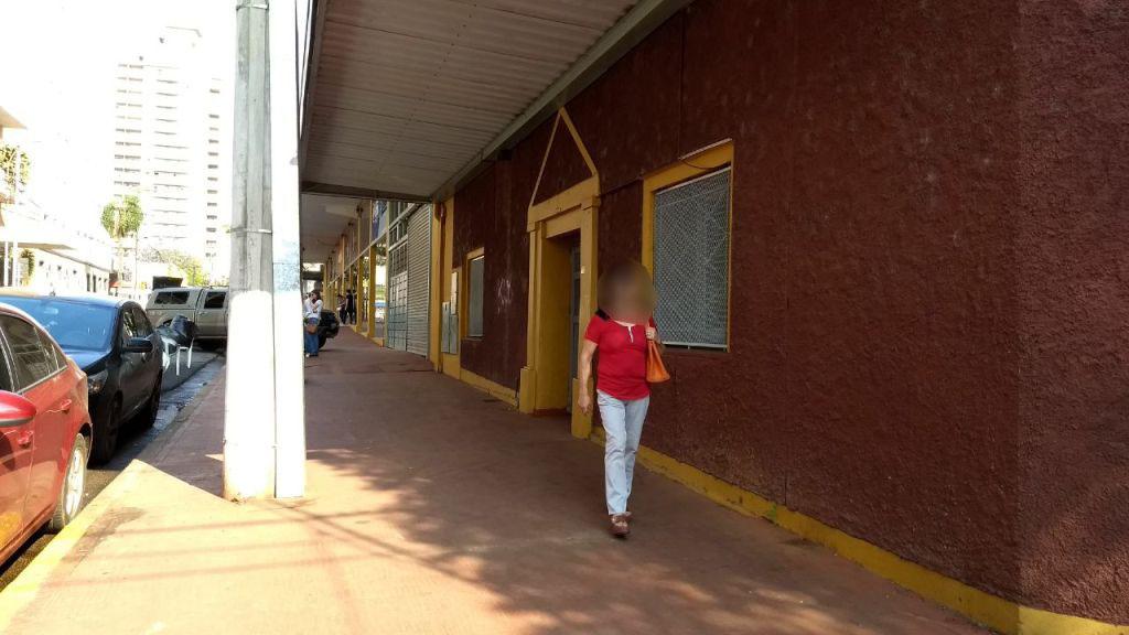 Padres de alumnos del Nivel Inicial del Colegio Roque González se reunieron con directivos porque un docente habría pedido a los niños que le hagan masajes