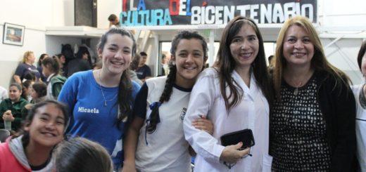 """""""Nuestro lugar"""": Mas de 600 estudiantes participaron en talleres de capacitación sobre el uso de nuevas tecnologías"""