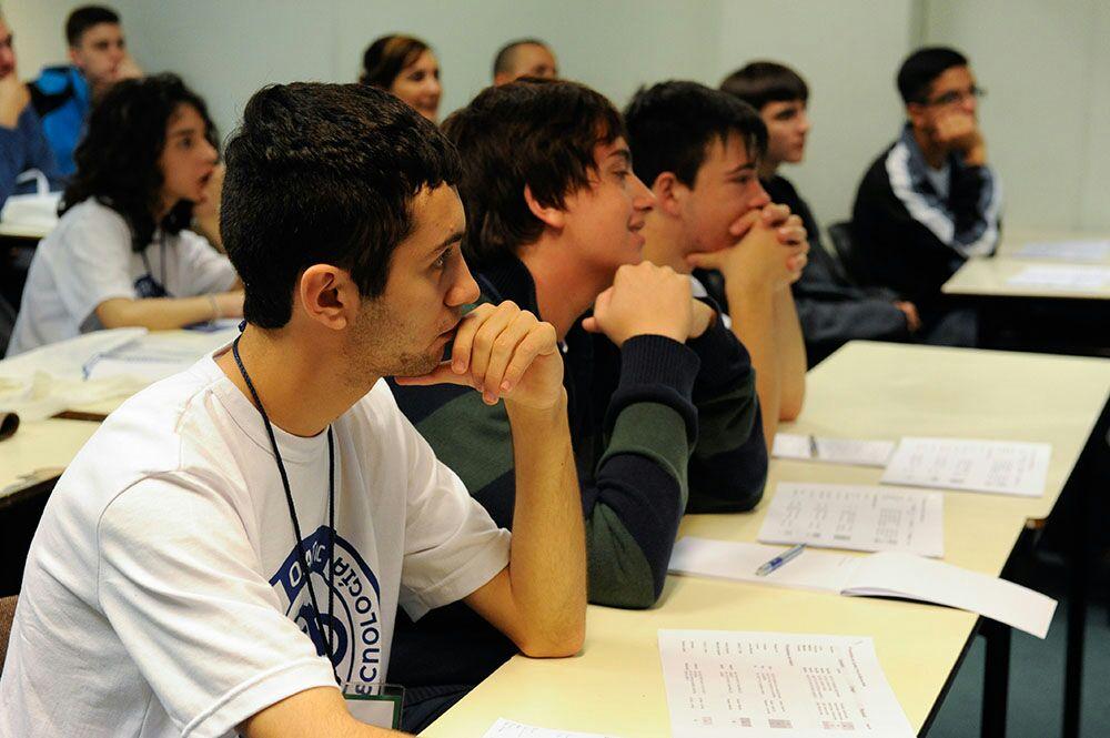 """Las escuelas técnicas se posicionan como la puerta de entrada de una """"alfabetización científica"""""""