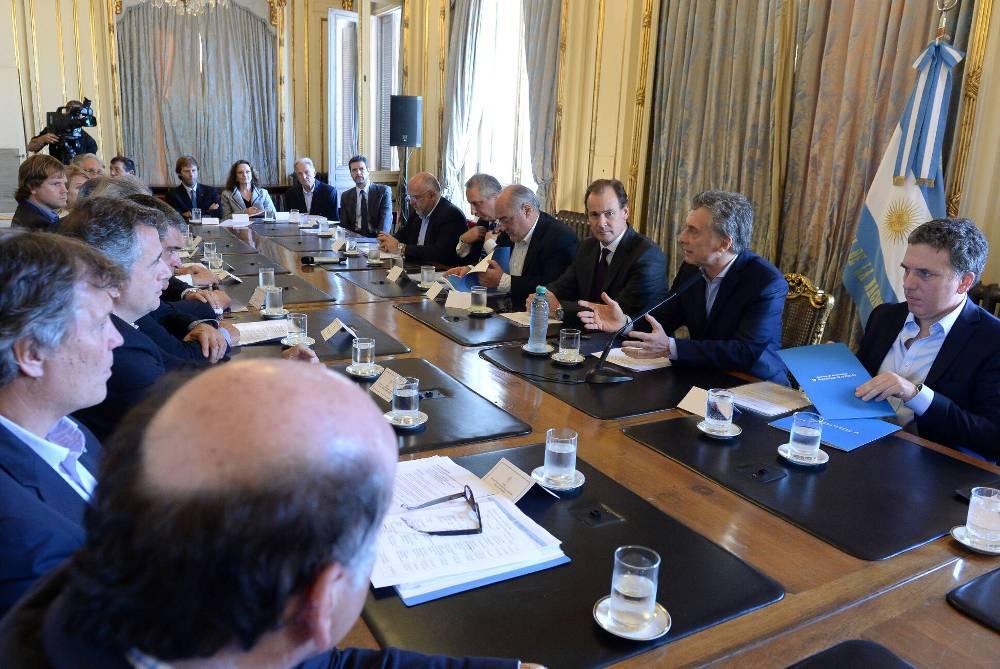 Presentaron a Macri recomendaciones para mejorar la competitividad, inversiones en celulosa y papel y promover el uso de la madera en el país