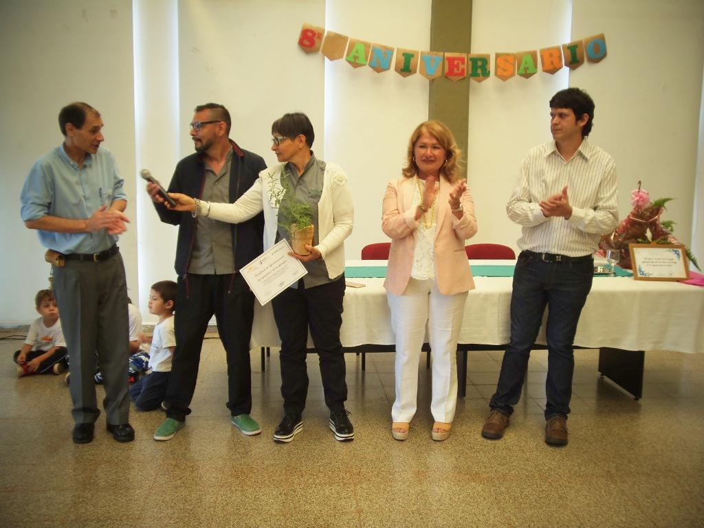 Con una emotiva ceremonia se realizó el acto por el octavo aniversario del Hogar de Día