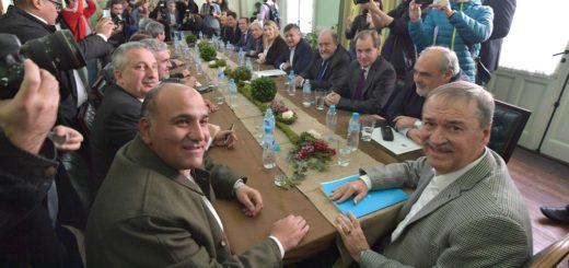Análisis semanal: La defensa de los fondos de las provincias suma más gobernadores y la carrera por las bancas ya tiene nombres