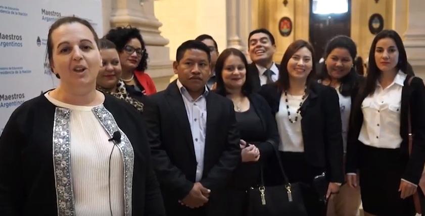 La escuela secundaria Tekoa Fortín Mbororé, Bachillerato Orientado Provincial N° 111 recibió el premio «Maestros argentinos»
