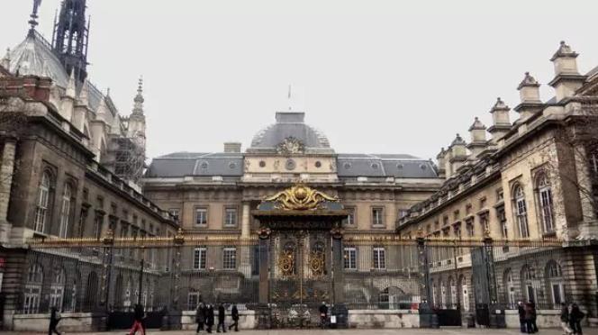 Escándalo en Francia: un hombre de 28 años tuvo sexo con una niña de 11, pero para la Justicia no la violó