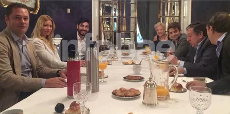 """En una reunión con Ramón Puerta en Madrid Nicole Neumann y Facundo Moyano """"oficializaron"""" su noviazgo"""