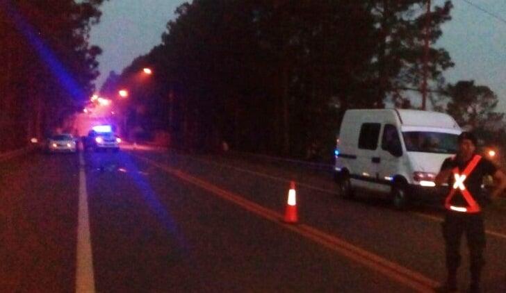 Salto Encantado: Un ciclista falleció tras una colisión en la Ruta 14