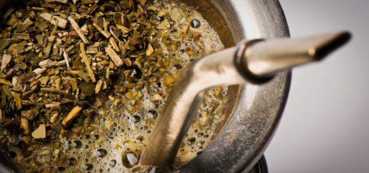 Efectos del consumo de Yerba Mate: ¿Por qué se recomienda espaciar la ingesta de yerba mate antes de cada comida?