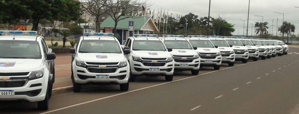 La Policía de Misiones expone los nuevos móviles en la Costanera de Posadas