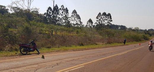 Una chica sufrió distintas lesiones al perder el control de su moto en la ruta 5