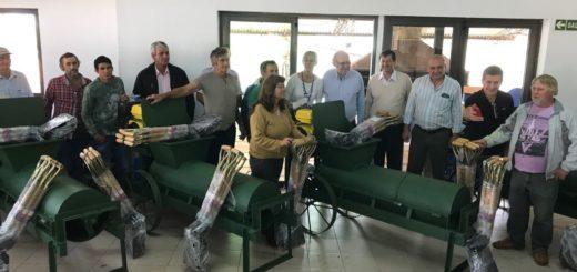 El Gobierno Provincial realizó otra entrega de equipamiento a Oleros de Campo Ramón, Campo Viera y Guaraní