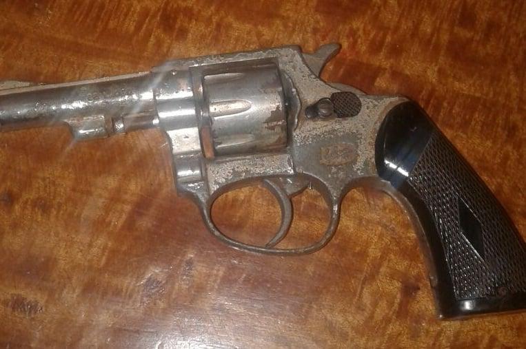 Con un arma de fuego un degenerado amenazó e intentó abusar de una joven en de San Pedro