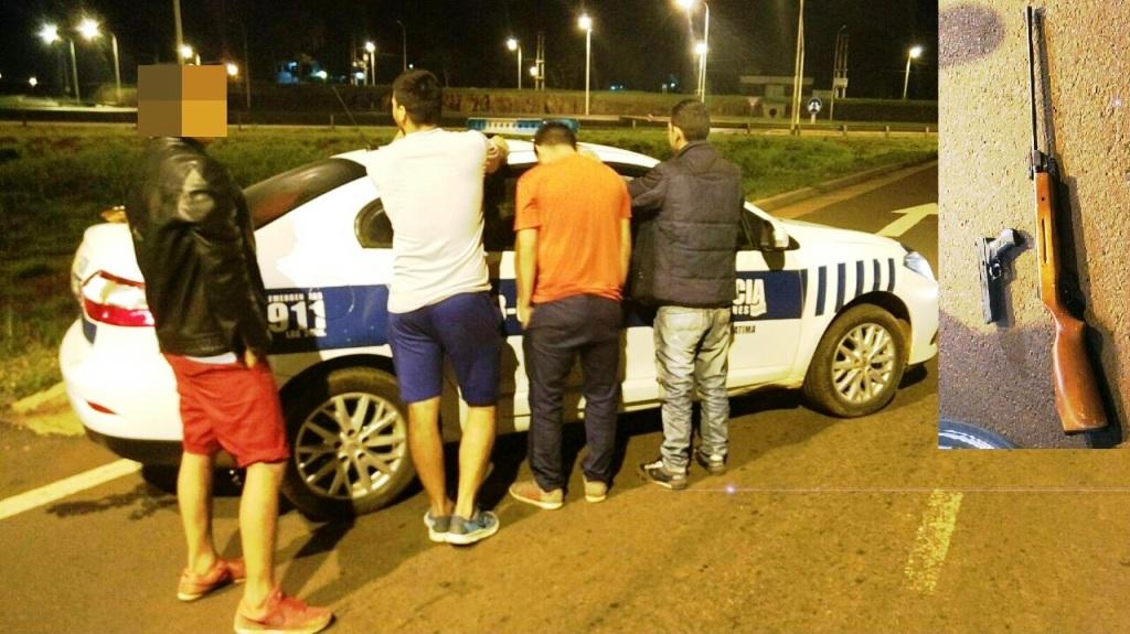 La Policía atrapó a jóvenes que con una pistola y un rifle, se paseaban por Garupá