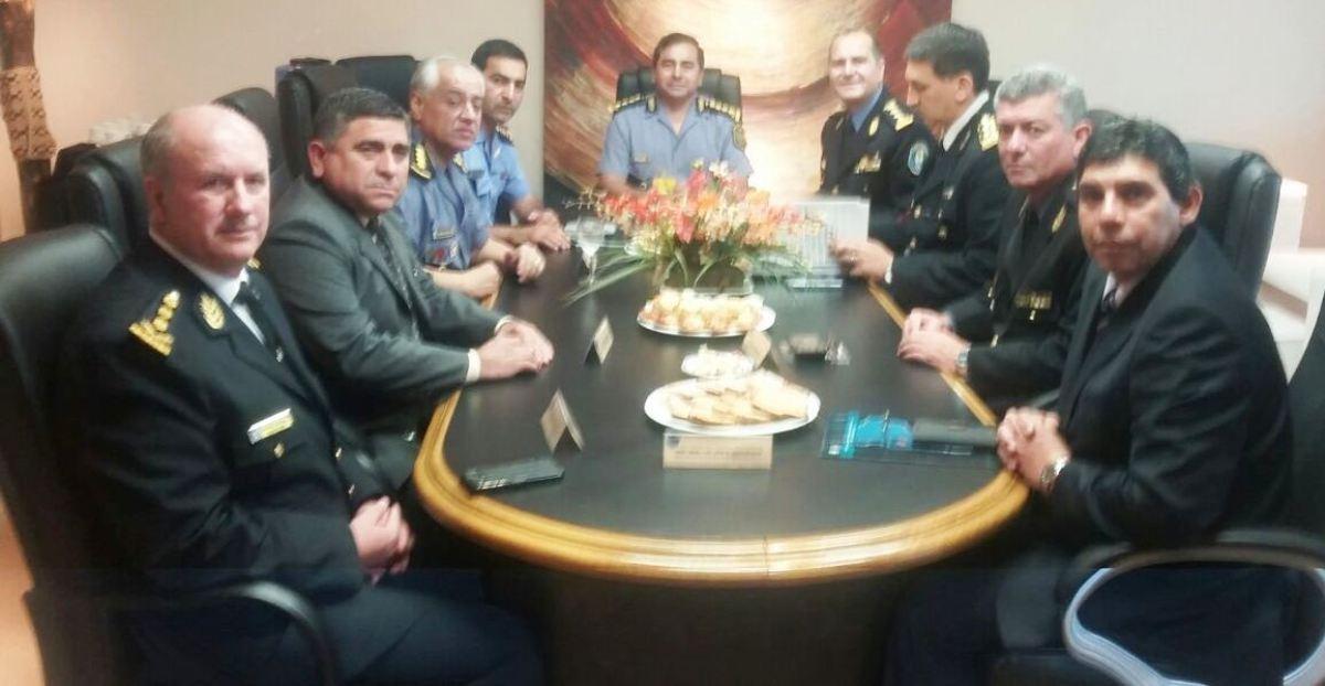 La Policía de Misiones expone su estrategia en seguridad ante sus pares de la región