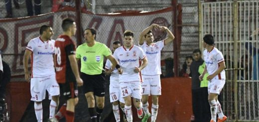 Huracán superó a Newell's en el cierre de la segunda fecha de la Superliga