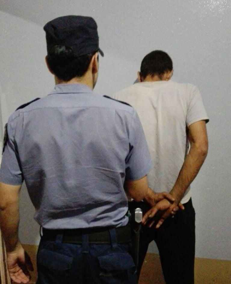 Ladrón sorprendido in fraganti fue atrapado por la Policía en Salto Encantado