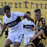 Banfield goleó 4 a 0 en su visita a Rosario Central
