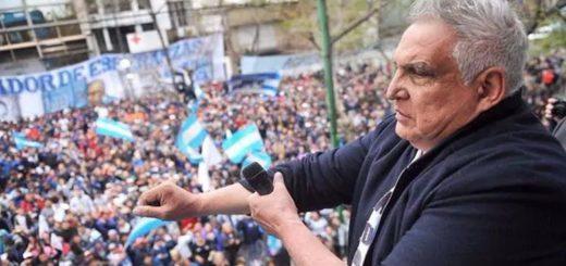 """Tras atrincherarse y lanzar amenazas al Gobierno, el """"Pata"""" Medina fue detenido"""