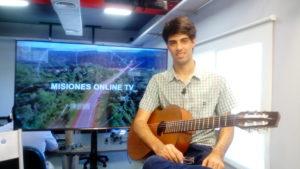 Joven músico aristobuleño se destaca como solista en guitarra